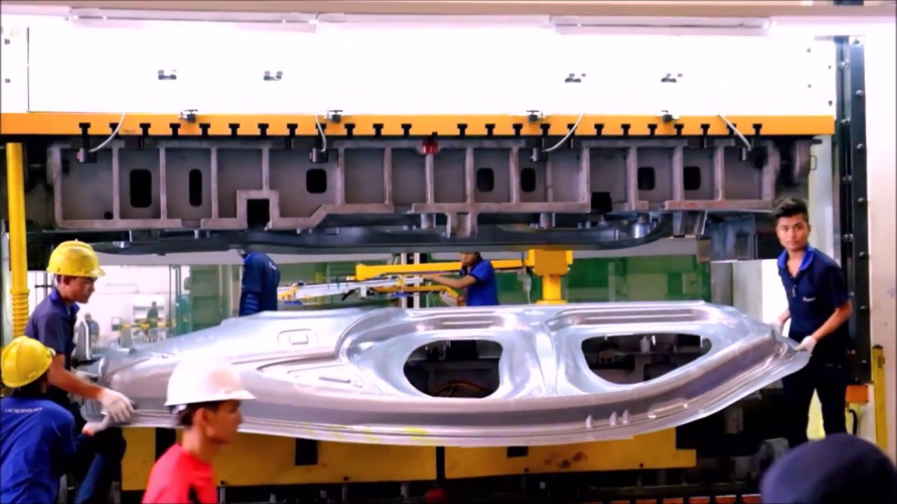 How To Get Mold Out Of A Car >> Car Body Panel Press 2000Ton for Automotive Industry - YouTube