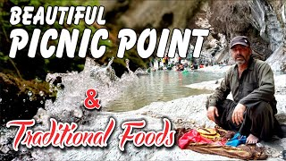 Beautiful Picnic Point & Traditional Foods [[ Peer Jan Rind ]]