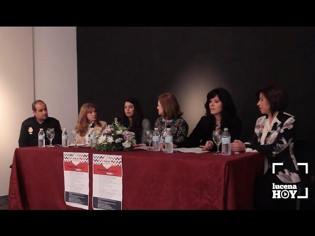 VÍDEO: Un foro debate sobre 'Dignidad y trabajo de la mujer'