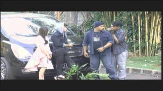 Hot Shot - Aliando dan Prilly Terlihat Mesra Lagi 18/09/2015