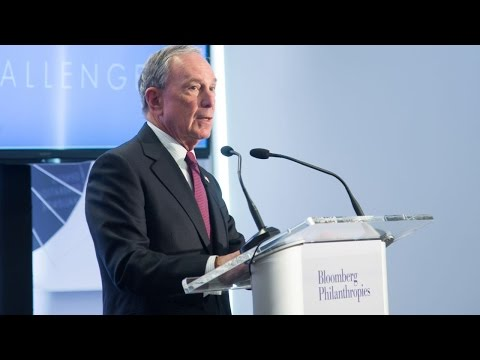Michael Bloomberg Says Donald Trump And Bernie Sanders Are Demagogues
