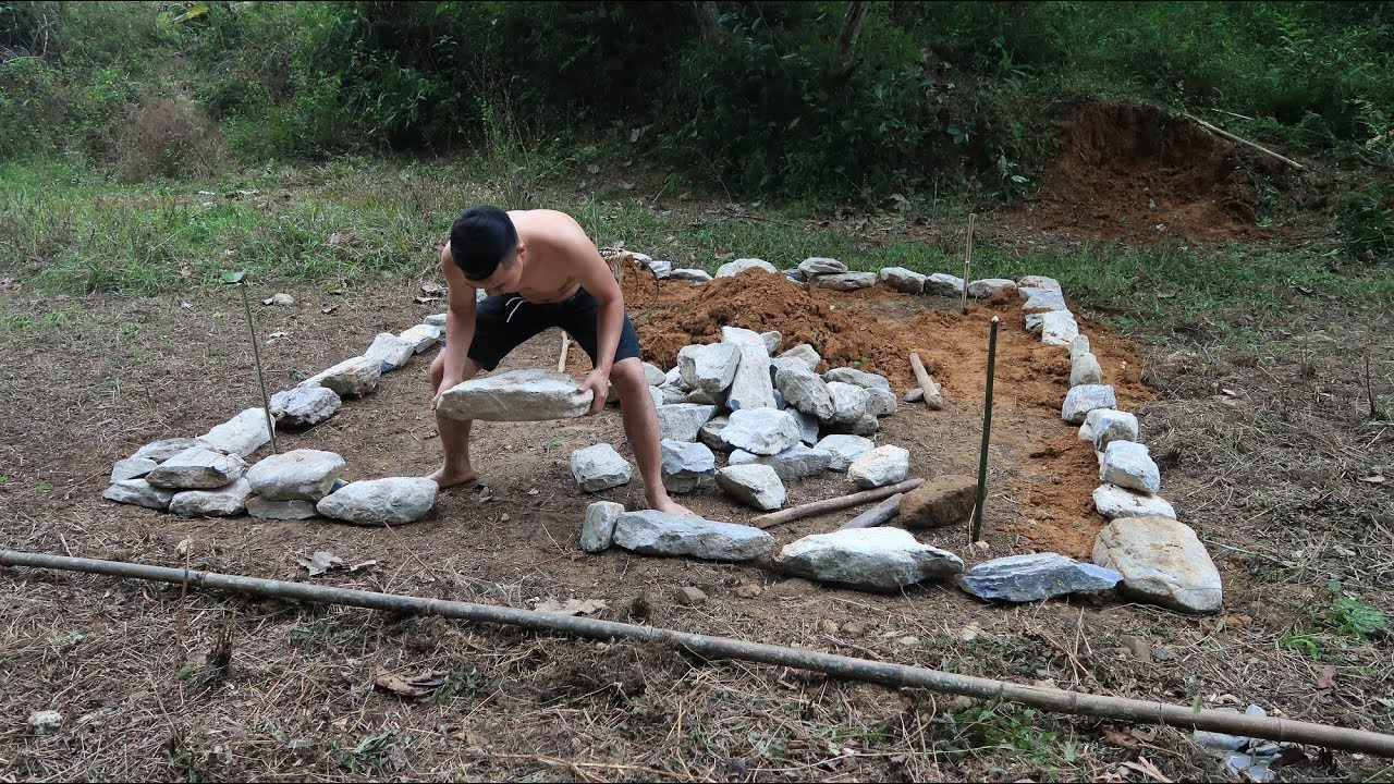 Primitive Skills: Floor is made of stone and earth (Primitive-Technology)