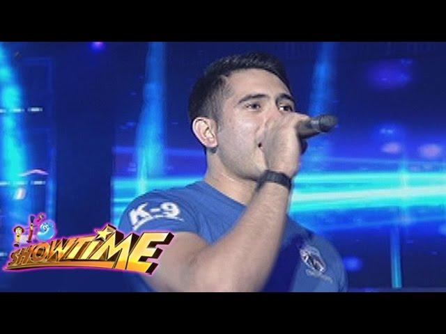 """It's Showtime: Gerald Anderson sings """"One Call Away"""""""