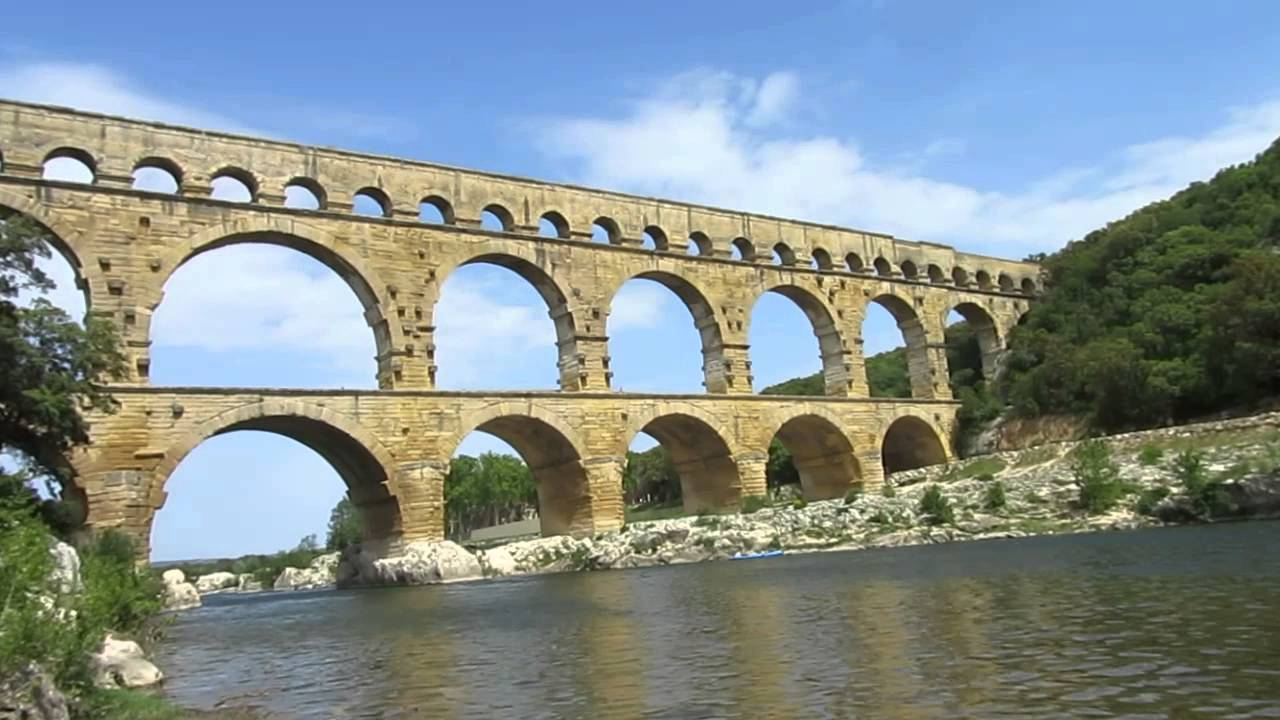 ポン・デュ・ガール(フランス・ローマの水道橋) - YouTube