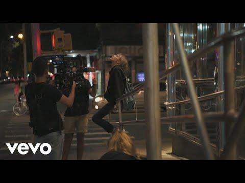 Grace VanderWaal - Moonlight (Behind the Scenes)
