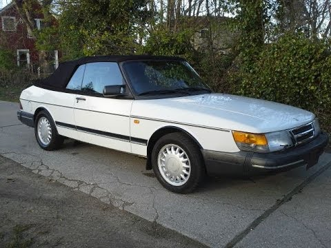 Look At A 1994 Saab 900 S For