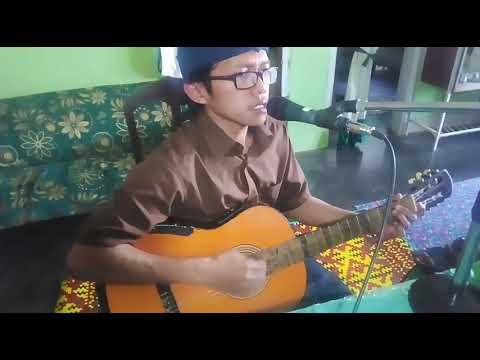 Qomarun. Cover Qomarun Mustofa Atef, Iringi Gitar Akustik
