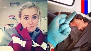 مسعفة روسية تلتقط صور سيلفي مع رجل يحتضره الموت