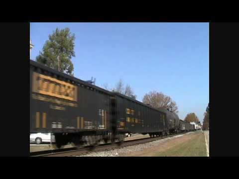 CSX Q401 in Downtown Benson, NC 11-23-2010