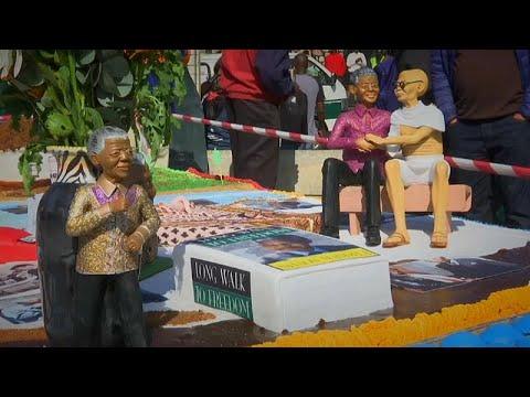 شاهد: 40 مدينة حول العالم تحيي مئوية ذكرى ميلاد نيلسون مانديلا…