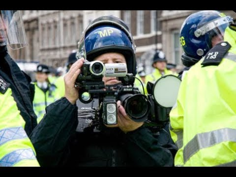 Photographer Detained by Police Under Terrorism Act for Filming in Aylesbury Town Centre.