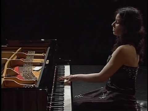 Filjak, Martina - Scriabin:  Nocturne for the left hand, Op 9 No2.mov
