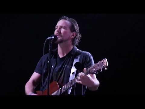 Just Breathe  Pearl Jam Rio de Janeiro 061111 HD