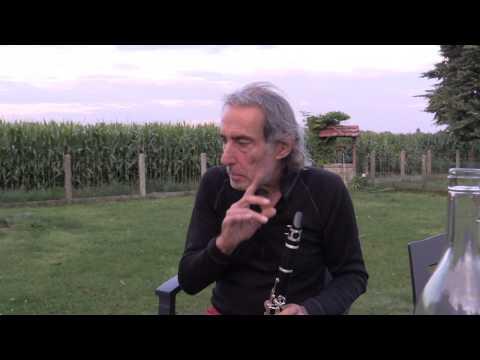 Download Youtube: Flo découvre la clarinette de chez Lidl