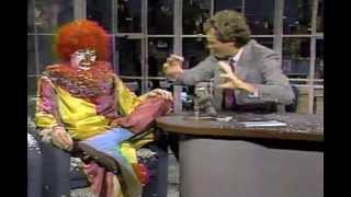 Repeat youtube video Letterman: Flunky the Viewer Mail Clown [1987]