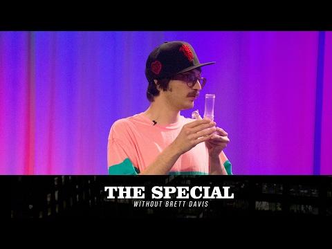 Skuntz' shitty intern Jeremy (Colin Burgess) on The Special Without Brett Davis