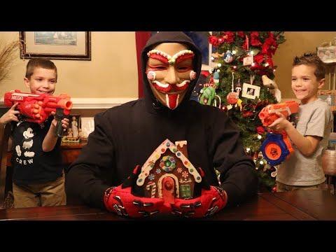 Escape the Gingerbread Man!  Omni Squad vs The Gingerbread Man!