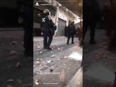 Les CRS jettent des pavés sur les gilets jaunes (Montpellier, 05/01/2019)