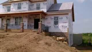 USA КИНО 162. Как строят дома в США, часть 4. Каркасный дом получил крышу.