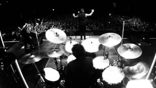 Papa Roach Face Everything and Rise - live performance clip