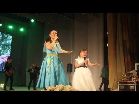 Девочка из Екатеринбурга спела с Гузель Уразовой Килче килче