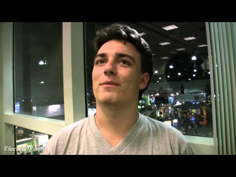 Palmer Luckey talks about 360 degree Movies & TV with Oculus Rift