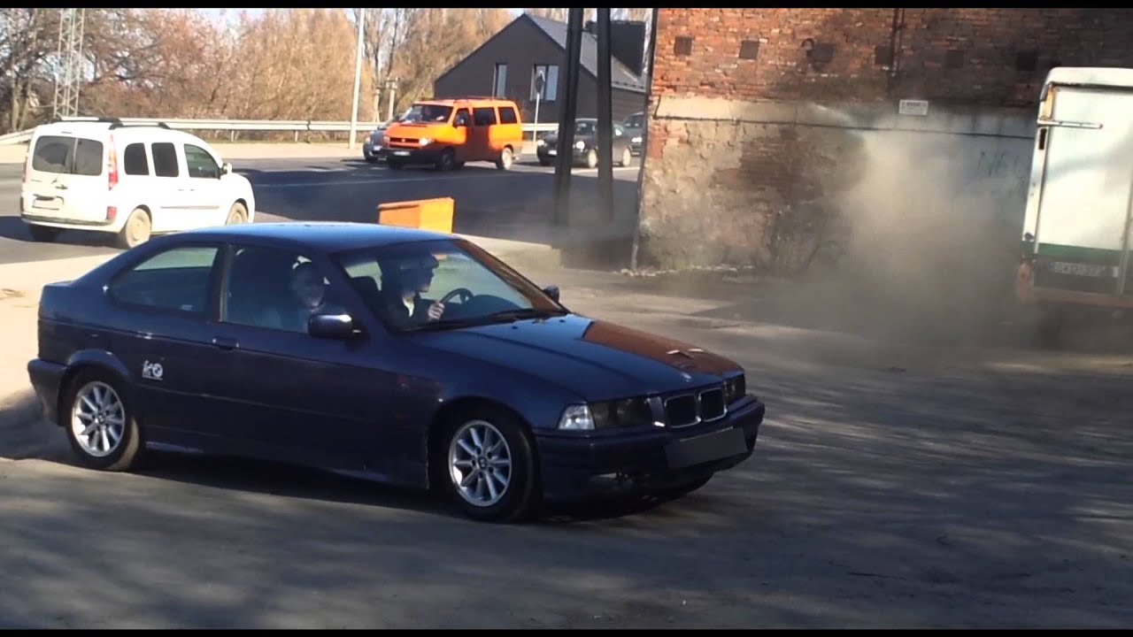 bmw e36 316i compact drift donuts youtube. Black Bedroom Furniture Sets. Home Design Ideas