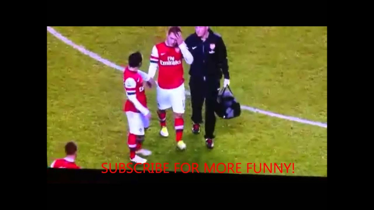 Jack Wilshere Gets A Boner During Reading Arsenal Youtube