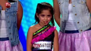 "Martina Canisso sorprende cantando al ritmo de su ídola ""Violetta"" - TALENTO CHILENO 2014"