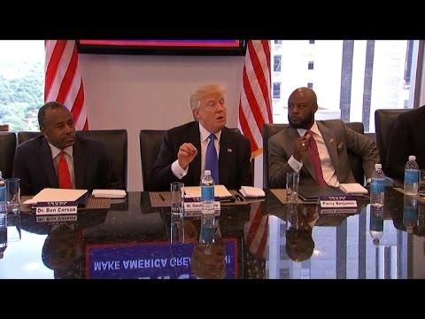 Trump e Hillary brigam por afro-americanos