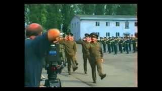 Последний парад (Нойштрелитц).avi(1993 год. Официальная часть начала вывода 16 гвардейской танковой дивизии. Торжественное прохождение., 2011-02-17T16:54:17.000Z)