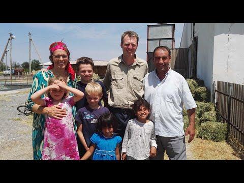 Австралийцы в Таджикистане. Обожают страну и выращивают коз