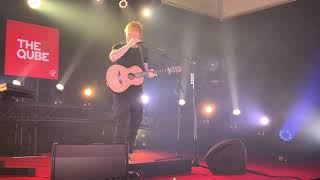 Ed Sheeran - Shivers LIVE in Amsterdam at The Cube Q-Music 4K 05/10/2021