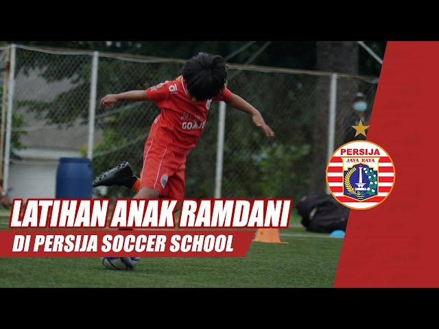 Kelucuan Anak Ramdani Lestaluhu, Rafaizan, di Latihan Persija Soccer School