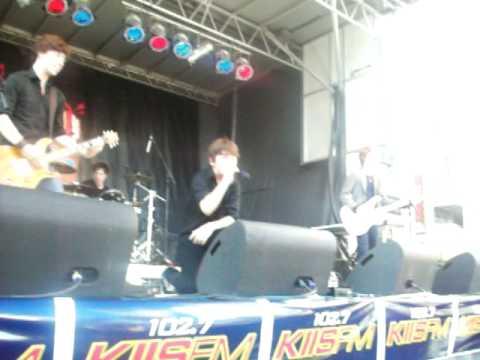 Burnham - Catch Me If You Can live @ the Teen Island Fan Fest (7/20/10)