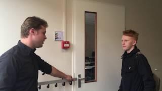 Scholieren in gesprek met Jan Pieter van der Velde (FNP)
