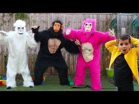 Gorilla escaped, kids Pretend Play ,funny videos for kids, les boys tv