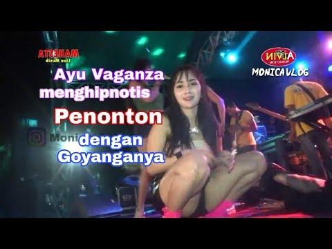 Dj Dian Cantika Ayu Vaganza Menghipnotis Penonton Dengan Goyanganya-Monica Vlog