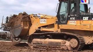 Caterpillar 973C Track Loader & Dump Trailers / Erweiterung Holzwerk, 09.08.2006.