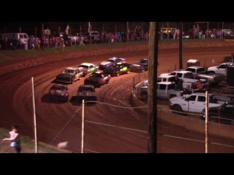 Winder Barrow Speedway Street Stock Feature Race 3/25/17