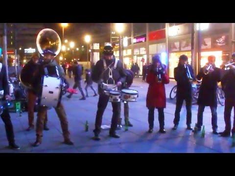 Brass Jazz Musik  - French Band aus Frankreich - Bläser - Berlin Alexanderplatz