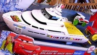 Cars 2 Hydro Wheels Porto Corsa Splash n Race Boat Yacht to Play in Pool Bathtub Water Toys