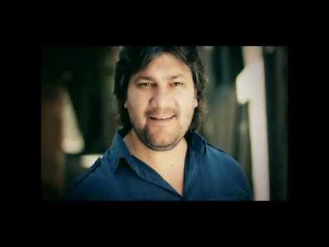 Şarkılarımı Dinleme - Ahmet Şafak (Official Video)