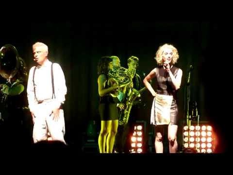 David Byrne & St. Vincent - Like Humans Do (Live in Copenhagen, August 22nd, 2013)