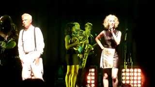 David Byrne & St. Vincent - Like Humans Do (Live in Copenhagen, August 22nd, 2013)