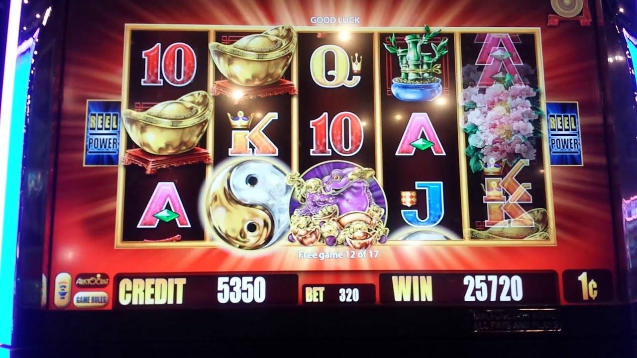 Five Frogs Slot Machine