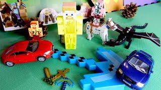 Игрушечные машинки и набор с игрушками Майнкрафт. Видео для детей