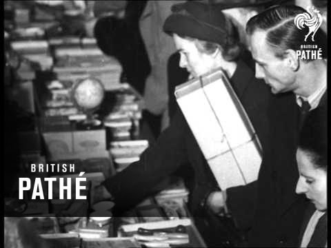 Christmas Shopping (1948)
