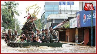IAF Rescues 13 Girls From A House In Flood-Hit Alleppey | News 100 Nonstop | August 19th, 2018