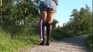 Repeat youtube video flashing stockings